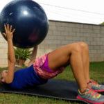 10 ejercicios con fitball para embarazadas que se pueden practicar en casa